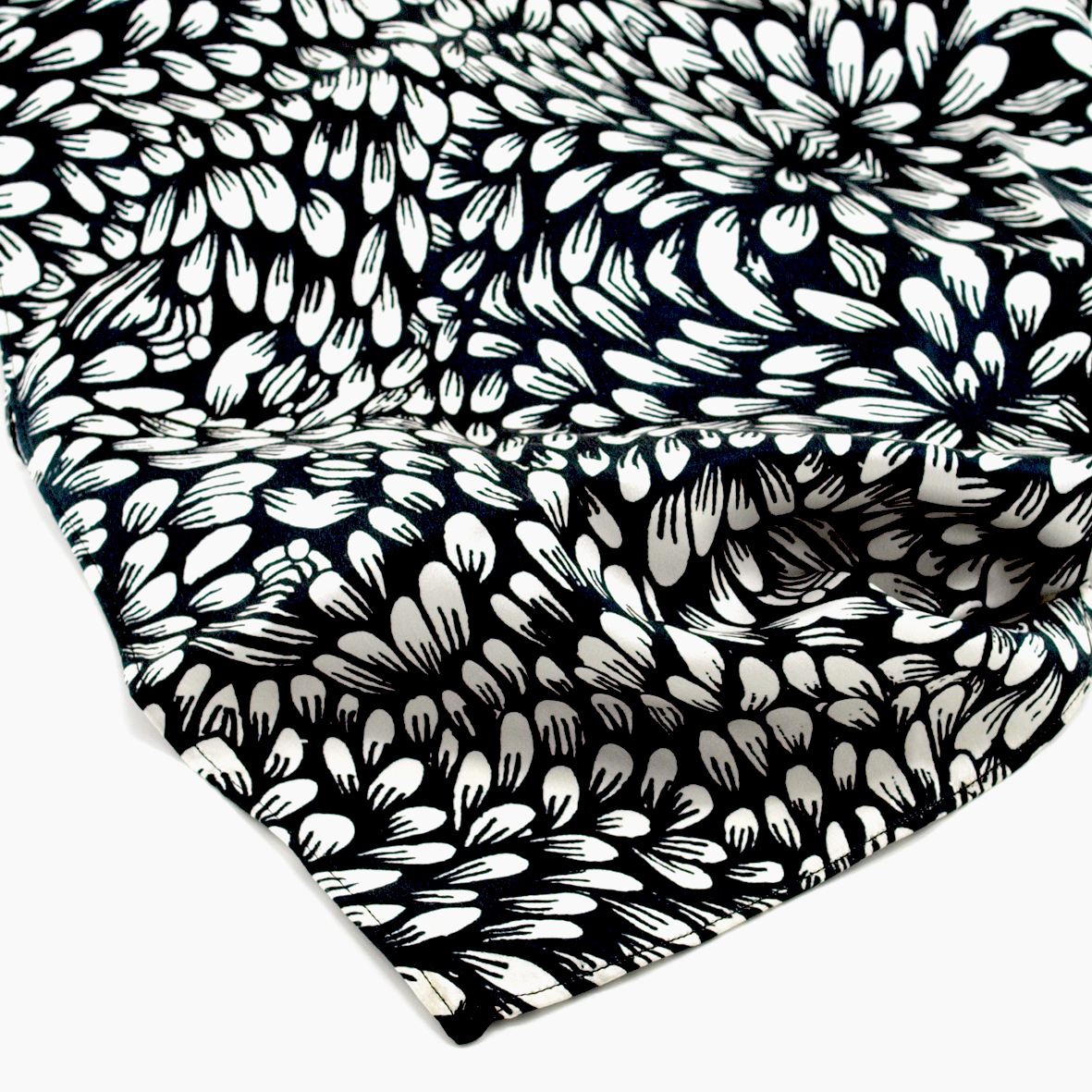 Chrysanth_Shawl_Detail