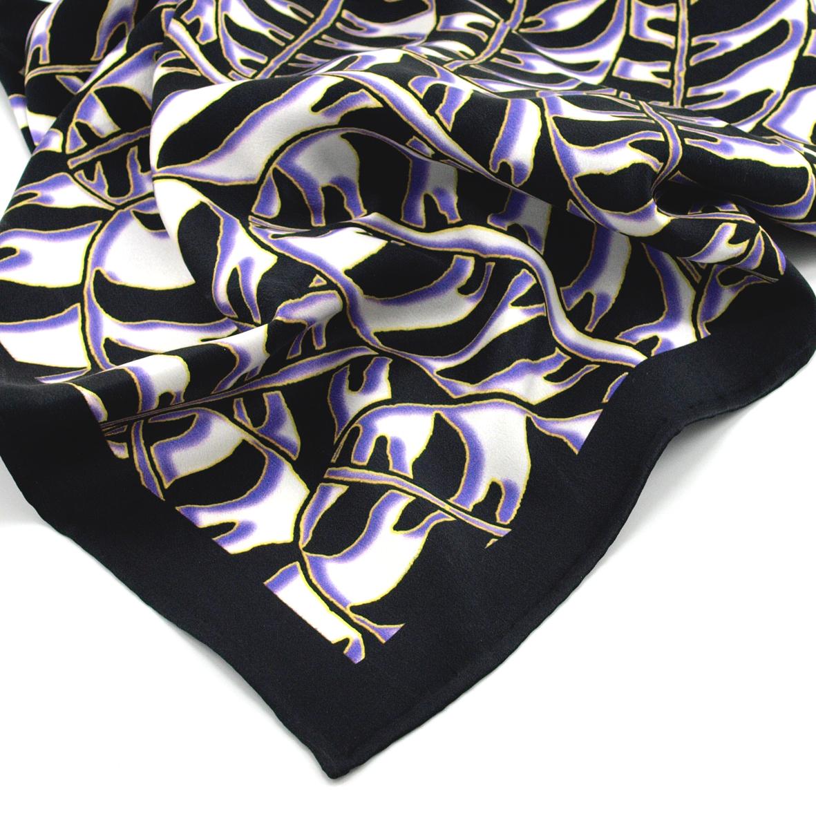 Tigerleaf_Purple_Detail
